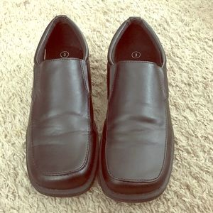 Boys casual shoes size 3